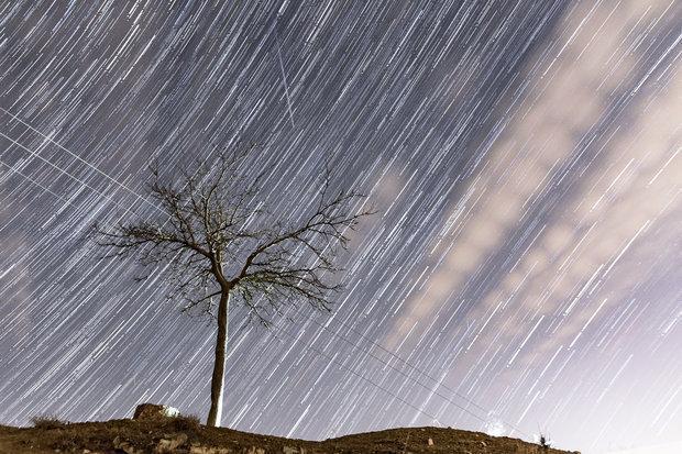 آسمان ایران دوشنبه شهاب باران می گردد، دلایل دشواری رصد