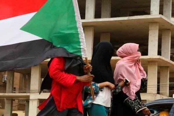 یک زن سکان راهنمایی وزارت خارجه سودان را در دست می گیرد