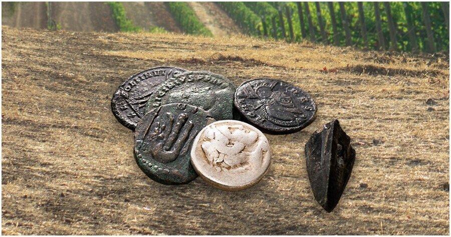 کشف سکه های 2000 ساله رومی در زمین کشاورزی ، تکرار داستان سریال زیرخاکی این بار در لهستان