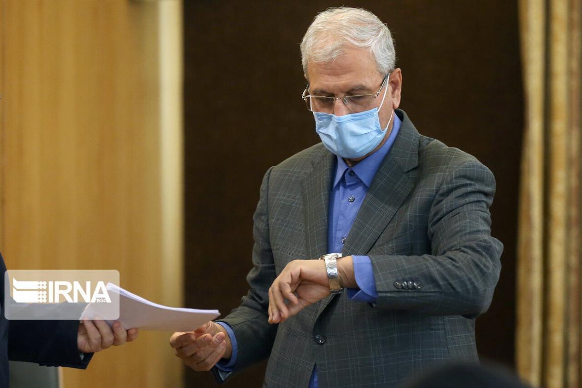 خبرنگاران ربیعی: رییس مجلس در ابلاغ قانون اقدام لغو تحریم ها عجله کرد