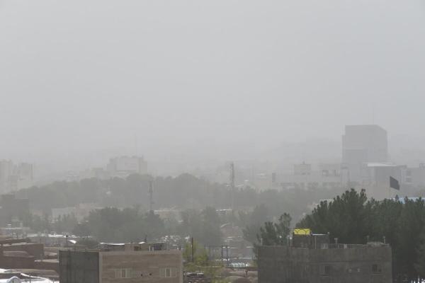 خبرنگاران شهر زاهدان از حالت توفان خارج شد